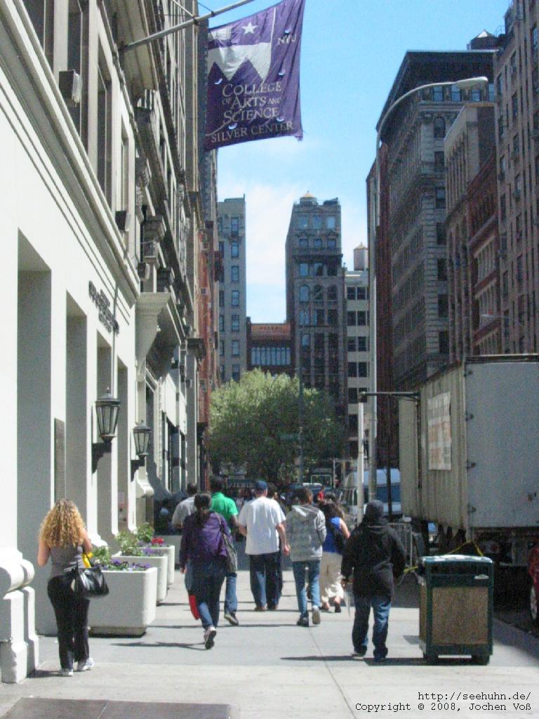 [a road in Manhattan]